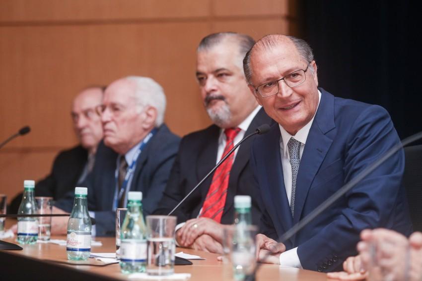 Fapesp e CNPq cortam R$ 32 milhões em repasses a bolsistas